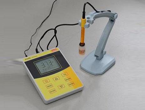 pH400标准型台式pH计